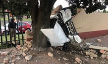 Driver killed when bakkie crashes into fence on Protea Road in Northmead, Benoni.