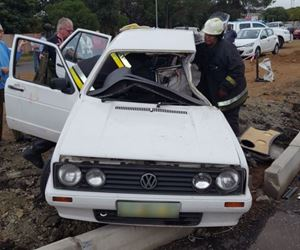Two-vehicle collision leaves three injured on Haldon Road in Bloemfontein
