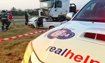 Truck collides with bakkie killing three, injuring one in Meyerton