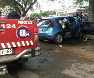 Vehicle crashes into tree leaving four injured off the General Hertzog Road in Peacehaven.