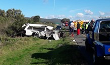 Man killed when bakkie and truck collided in Sedgefield