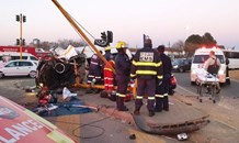 Taxi and car collide leaving one dead, fifteen injured in Woodmead