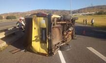 Taxi rollover leaves twelve injured in Alberton