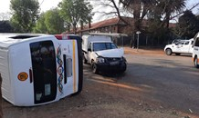 Taxi and bakkie collide, leaving two injured in Turfontein