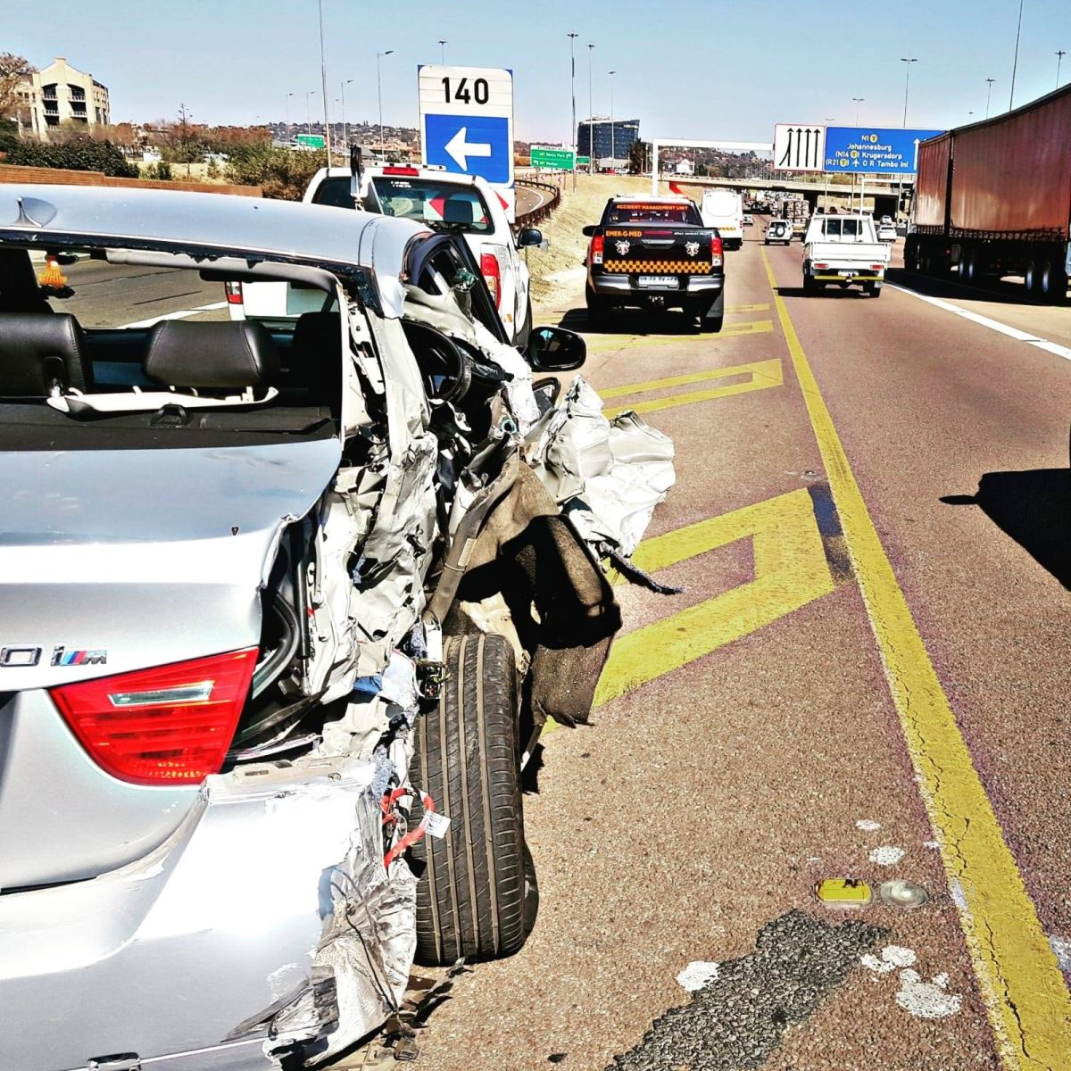 Vehicle and bus collision on the N1