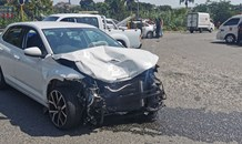 Driver injured in a collision in Canelands