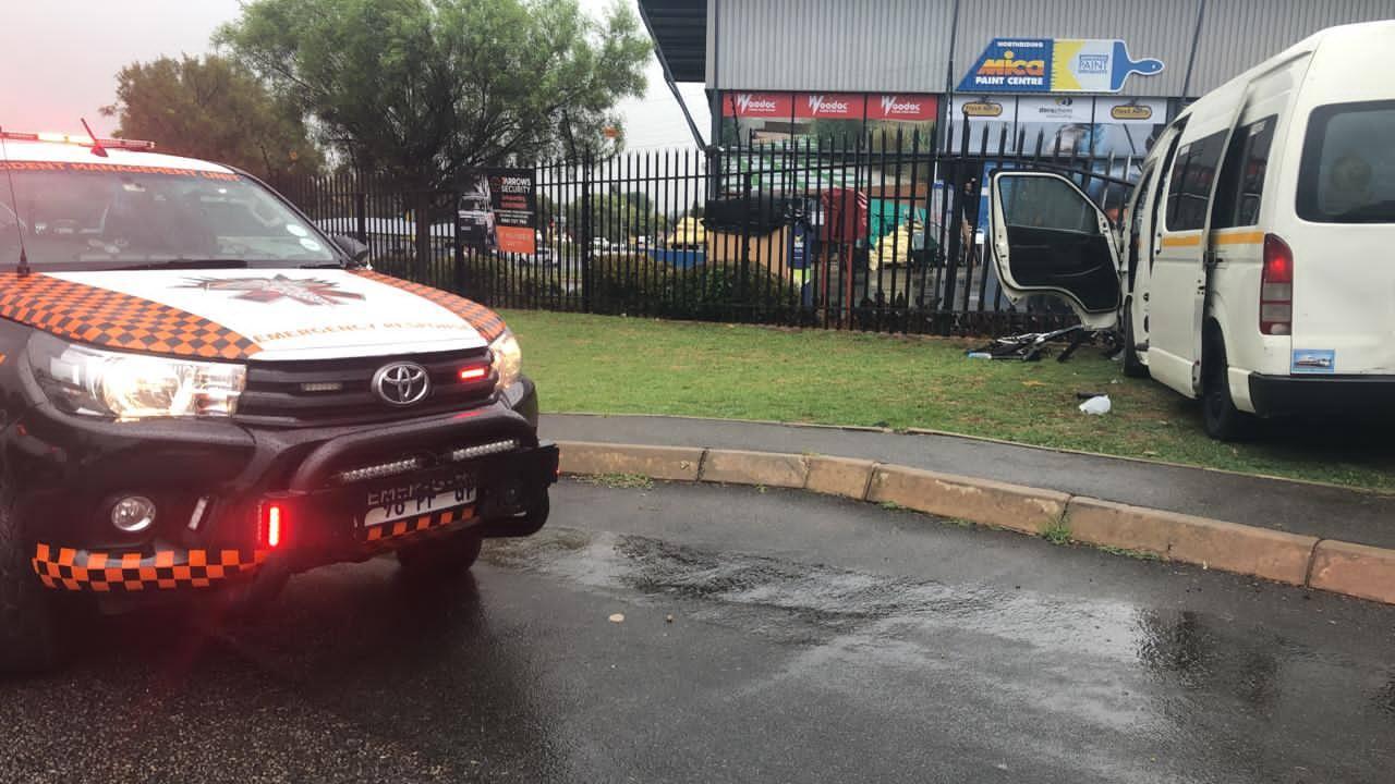 Taxi crash at Sundowner in Randburg
