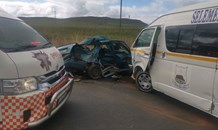 Seven injured in a two-vehicle collision on the R74