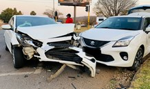 Two injured in a collision at an intersection in Northcliff