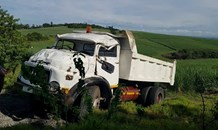 Driver Injured After Truck Overturns in Umdloti, KZN