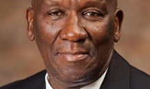 Police Minister Bheki Cele applauds swift action by the police in bringing law and order at Van Reenen Pass