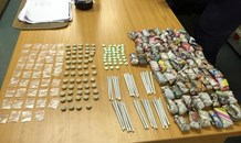 Three suspects detained for illegal firearm and drugs confiscated in Uitenhage Cluster