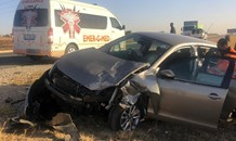 Three injured in a two-vehicle collision on the R511