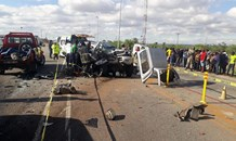 One killed , 4 injured in road crash on the N1 North at Beitbridge Traffic Control Centre