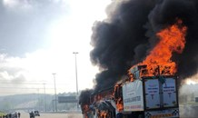 Heavily congested traffic after bus fire on the N1 North, Fourways
