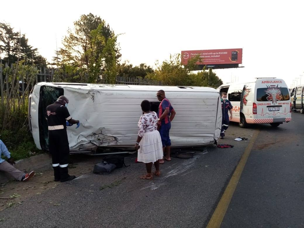 Nine injured in taxi rollover on the M1 North, Houghton Estate