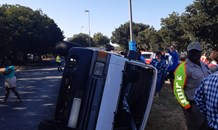 Taxi overturns leaving nineteen children injured in Vanderbijlpark