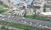 KwaZulu-Natal:  Multiple people injured in mini-bus taxi rollover