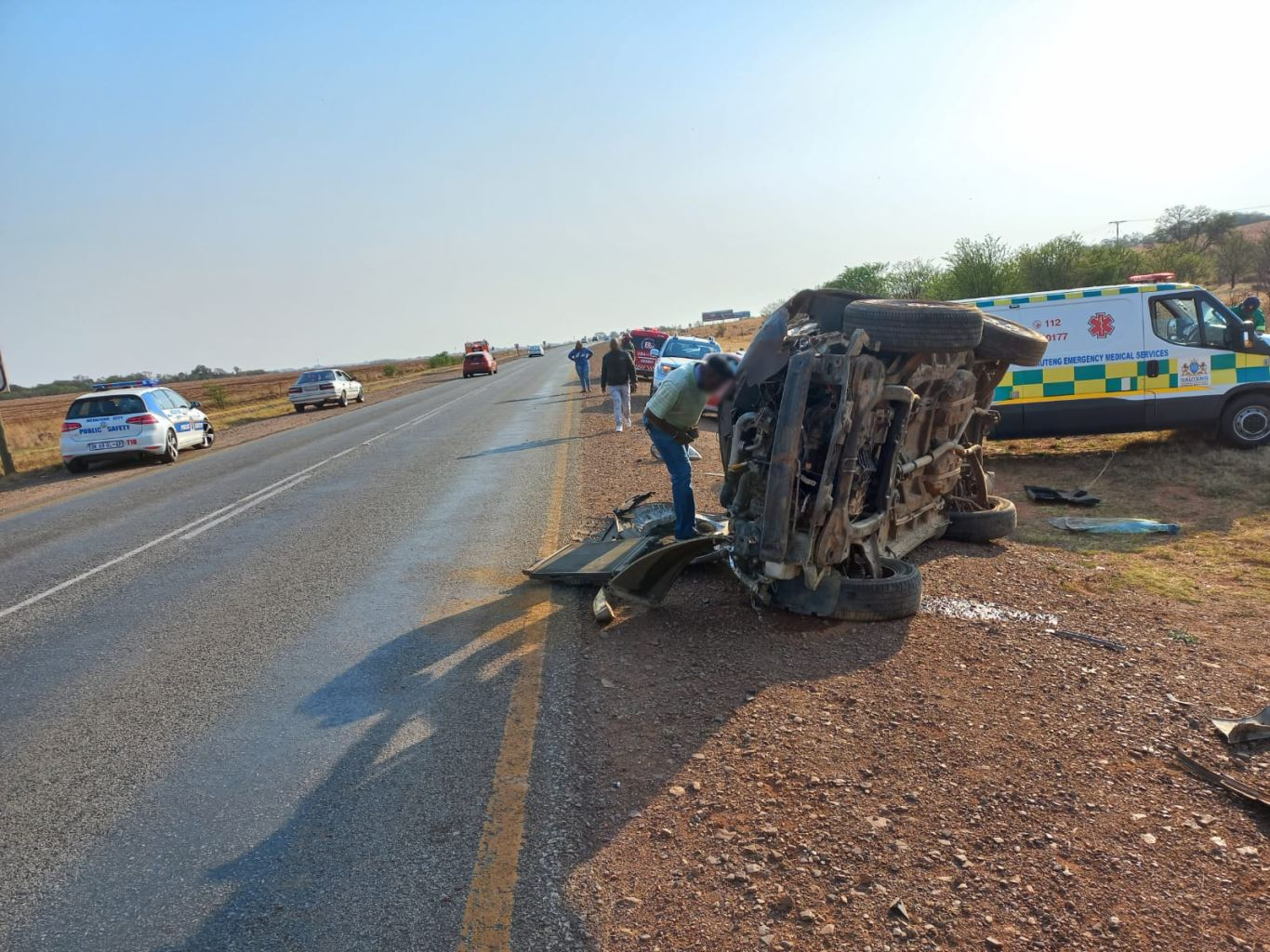 One killed, two moderately injured in single-vehicle rollover on the notorious N12