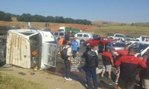 Four-vehicle collision leaves six injured, Constantia