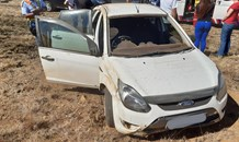 Grandmother injured in single vehicle rollover between Heidelberg and Vereeniging
