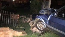 3 Injured when a light motor vehicle crashed into a residence wall on Protea Road,  Howick West