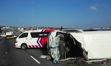 11 People injured this morning after a taxi crashed into the roadside barrier, Johannesburg