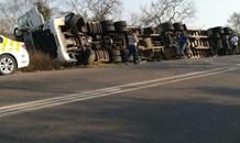 KwaZulu-Natal: Truck overturns on the R103