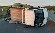 KwaZulu-Natal: Multiple passengers thrown from bakkie during rollover