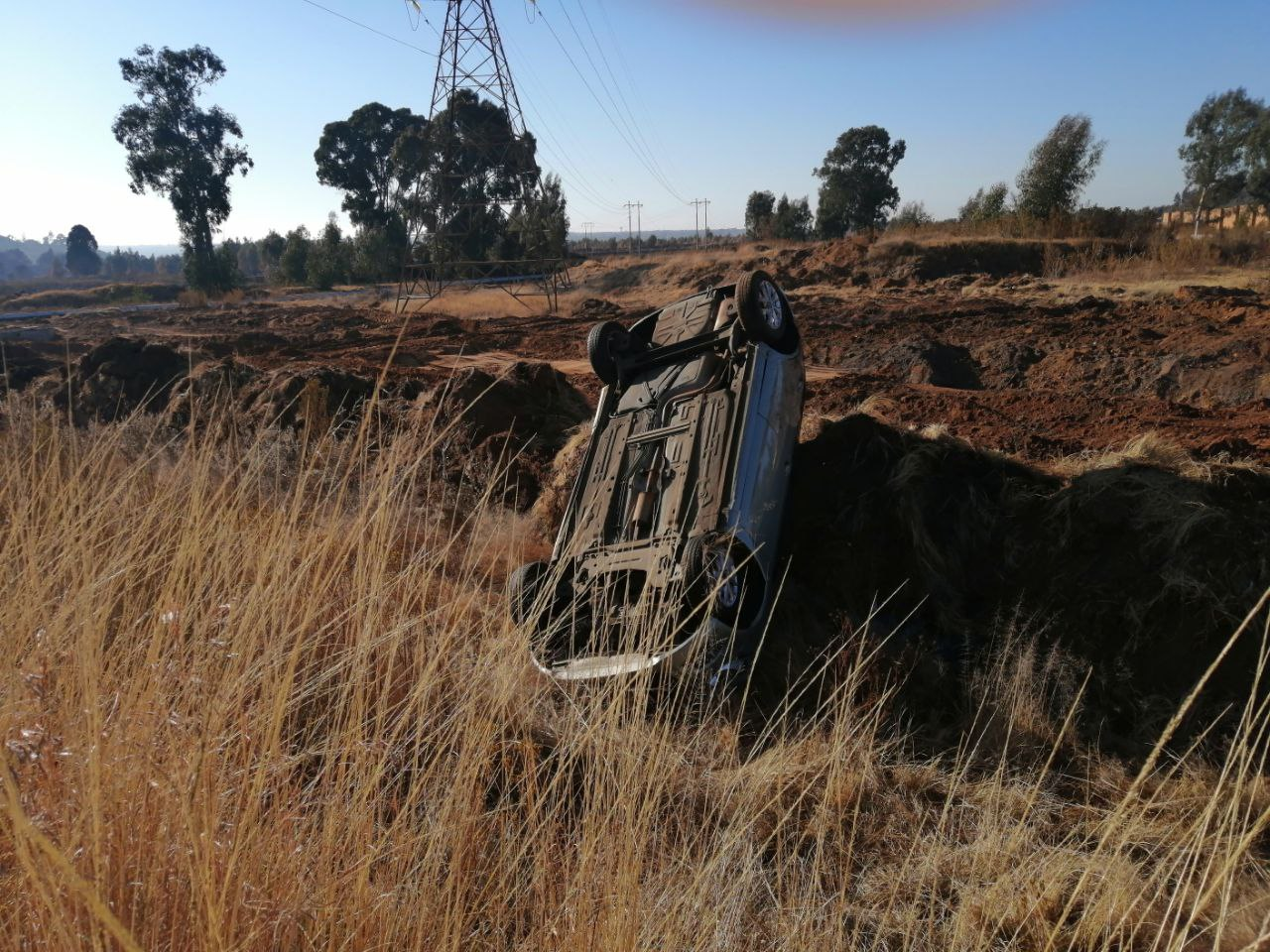 Gauteng: Driver rolls car to avoid colliding with a taxi
