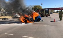 Gauteng: Vehicle bursts into flames in Pretoria crash