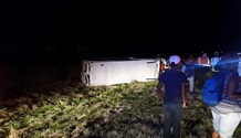 One killed, 21 injured in bus collision