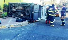 Randburg: 11 injured as minibus bus taxi overturns following collision with a car