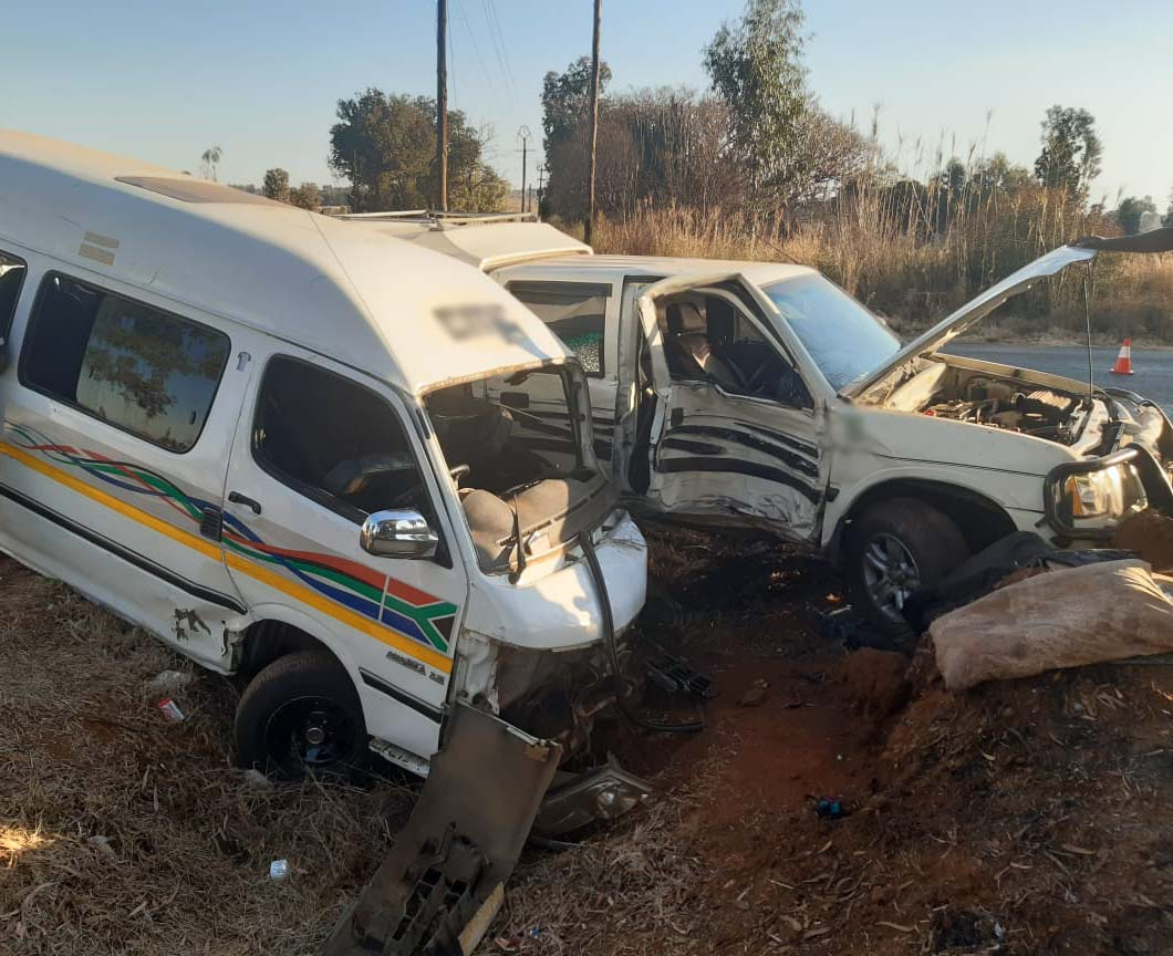 Thirteen injured after taxi and bakkie collided in Meyerton