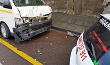 8 People injured in taxi crash, Durban