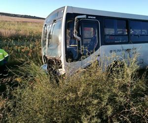 One killed and one injured after bus and bakkie collide in Westonaria