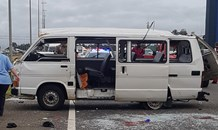 8 People injured as a minibus taxi rolls on the R21 southbound before the Olifantsfontein exit in the Centurion