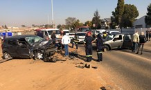 Gauteng: Three adults and a baby injured in head on collision in Kempton Park