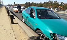 Gauteng: Driver crashes into barrier following blowout