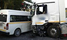 KZN: Collision between 2 taxis and a truck leaves 4 dead