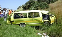 KZN: 12 injured in mini-bus taxi rollover on the N2