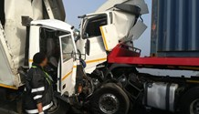 2 Dead, 1 serious in Midlands truck crash