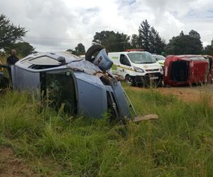Approximately 15 injured after taxi and two cars collide on the N14 in Krugersdorp