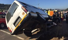 9 People injured when a taxi crashed into a light pole on North Coast Road in Durban