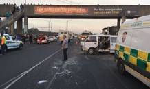Two taxis collide in Khayelitsha leaving five injured.