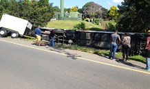 Bus overturns and leaves 42 injured in Pietermaritzburg