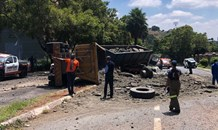 Tipper truck collides with four vehicles, three injured in Roodepoort