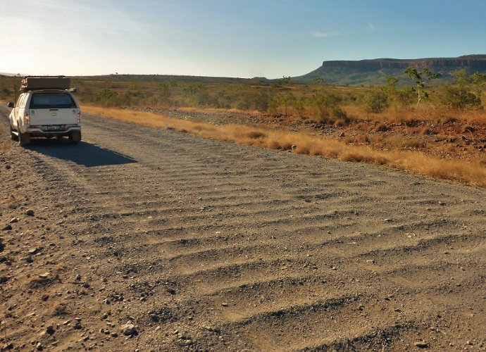 10 Useful Tips for Driving on Dirt Roads