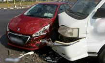 Drivers injured in collision in Midramd