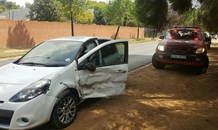 Driver allegedly skipping stop street blamed for crash in Bryanston
